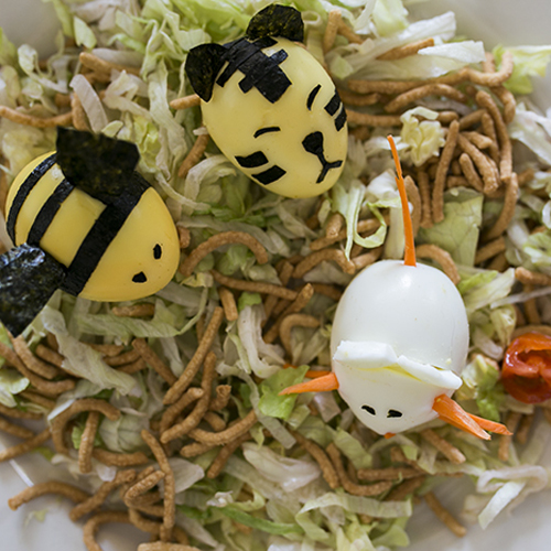 Make a Tiger, Mouse and Bee Hard-Boiled Egg